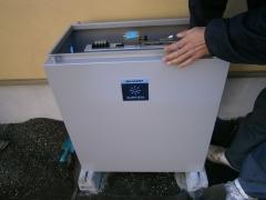 06 蓄電池組み立て作業